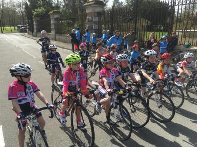 Participation des enfants de l'Ecole de Vélo au PROLOGUE PARIS-ROUBAIX 2018 le 7 avril 2018 à COMPIEGNE