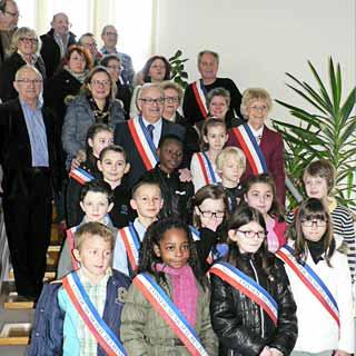 Ville d 39 estr es saint denis conseil municipal des jeunes - Piscine estrees saint denis ...